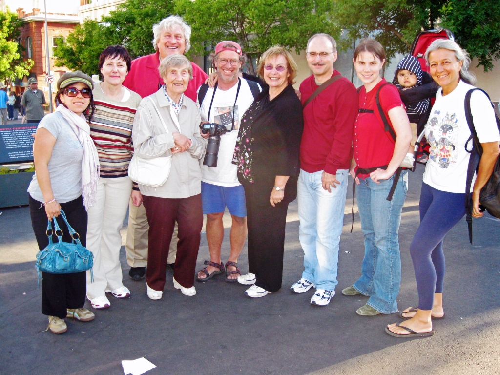 Marinella, Lenka's mother (Zorka), Tom's mother (Betka), Robin Braunfeld (the lead painter), Lilka, Lenka's father (Milan), Lenka, Lenka's daughter Jiya (10 mos.), Davora (Robin's S.O. and Tom's cousin).  Milan and Zorka arrived from Slovakia 3 hours before this picture was taken.