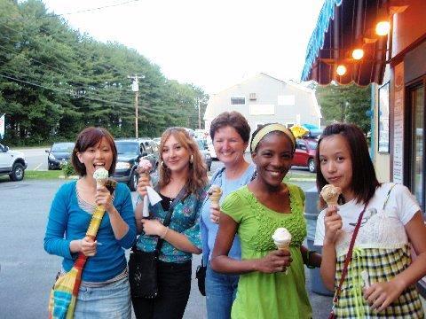Irene, Alexandra, Pam, Janique and Mary love ice cream!
